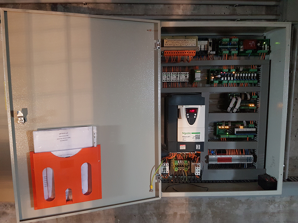 Modernizzazione quadro elettrico ascensore, Zecchi Ascensori